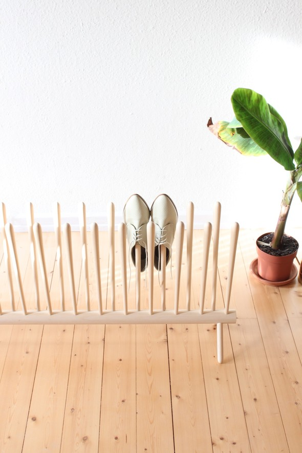 Shoe Shelf by Sebastian Goldschmidtböing на thisispaper.com. Изображение № 2.