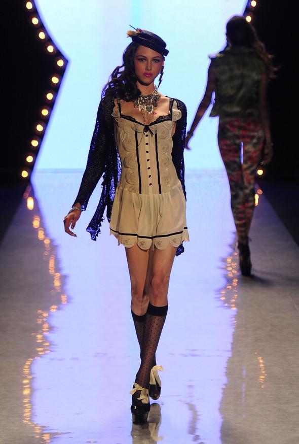 New York Fashion Week: Betsey Johnson Spring 2012. Изображение № 33.