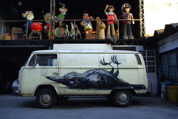 Животный стрит-арт от бельгийского граффитчика ROA. Изображение № 46.