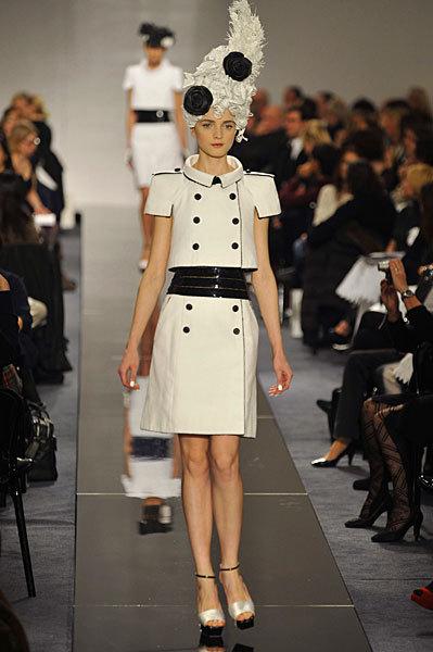 Chanel Spring 2009 Haute Couture. Изображение № 59.
