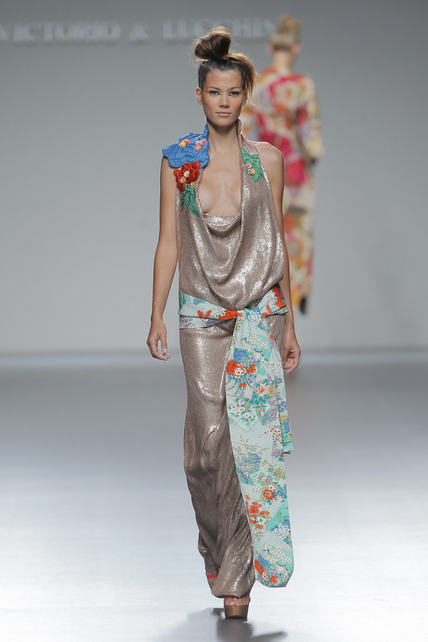 Madrid Fashion Week SS 2013: VICTORIO & LUCCHINO. Изображение № 28.