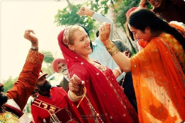Надя иЧаранджит – Индийская сказка. Изображение № 59.