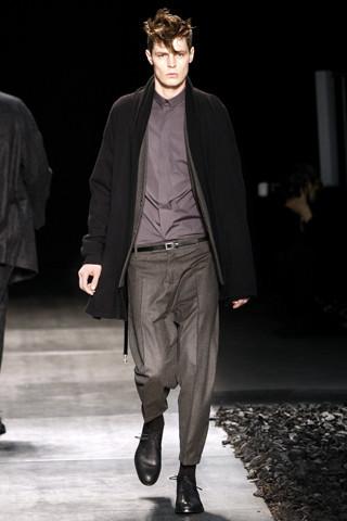 Неделя моды в Париже: мужские показы. Изображение № 89.