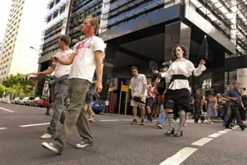 ВоФранкфурте прошел парад зомби. Изображение № 11.