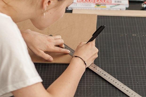 Как сделать из толстого картона абажур для лампы . Изображение № 15.