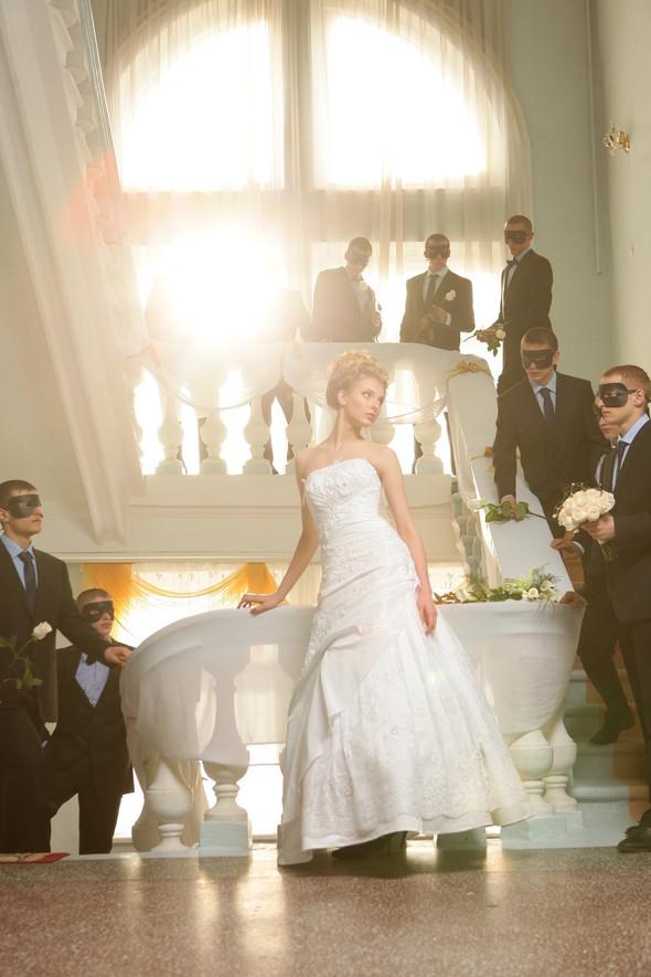 Съемка: свадебные платья. Изображение № 7.