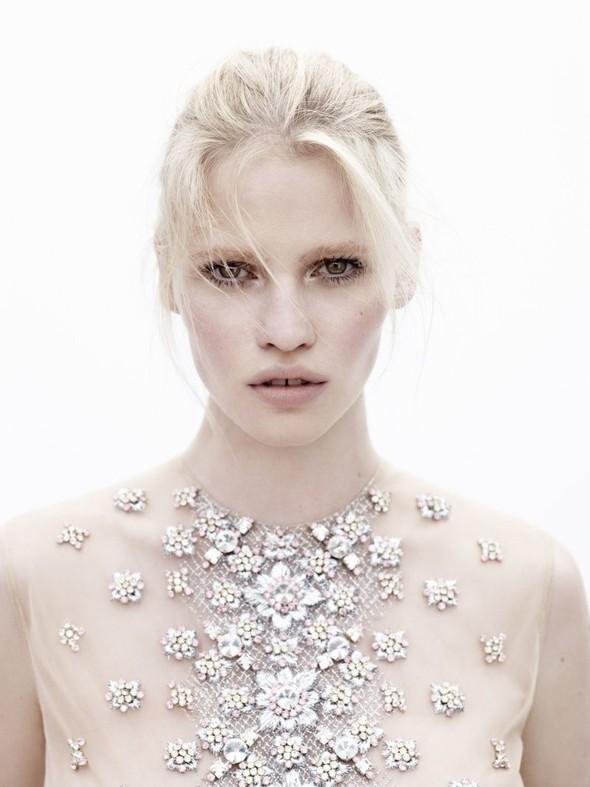 Новые съемки: Vogue, Nylon и другие. Изображение № 43.