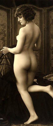 Части тела: Обнаженные женщины на винтажных фотографиях. Изображение № 19.