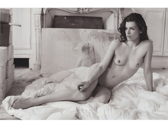 Части тела: Обнаженные женщины на фотографиях 1990-2000-х годов. Изображение №201.