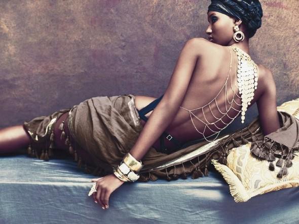 Фатима Сиад в рекламной кампании BCBG Max Azria SS 2010. Изображение № 5.