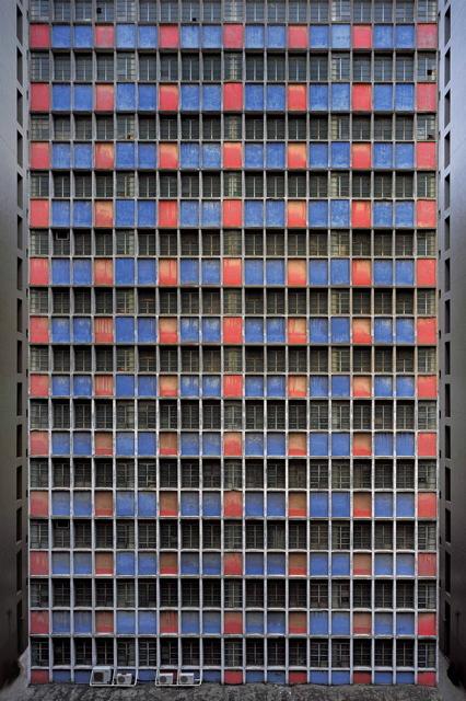 MIchael Wolf- бесконечные окна Гонконга. Изображение № 21.