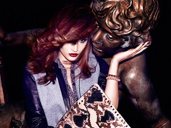 Съёмка: Тара Джилл для Vogue. Изображение № 6.