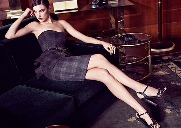 Кампании: Dior, Versace, Gucci и Burberry. Изображение № 14.