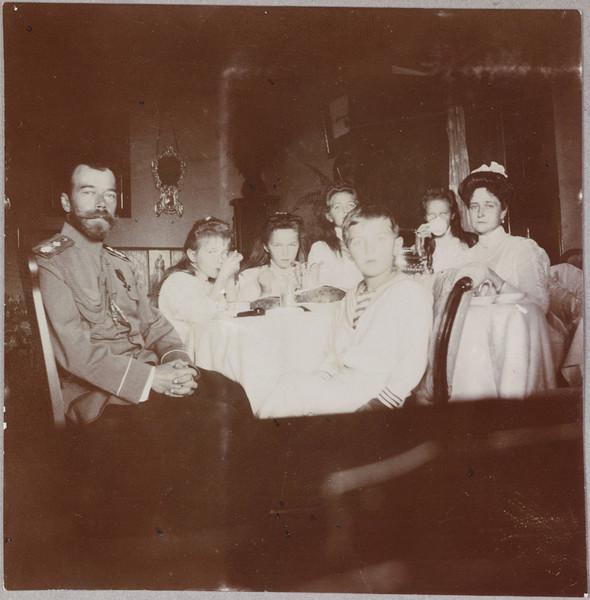 Редкие фотографии семьи Романовых. Изображение № 13.