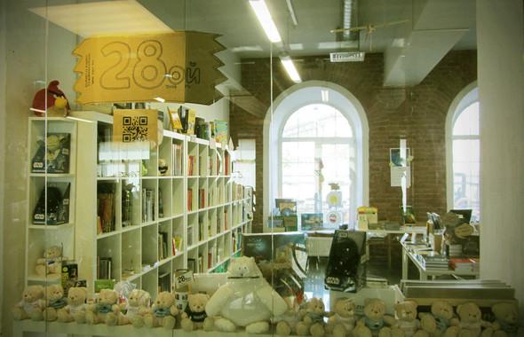 """Магазин """"Двадцать восьмой"""" в """"Ткачах"""". Теперь и оффлайн. Изображение № 12."""