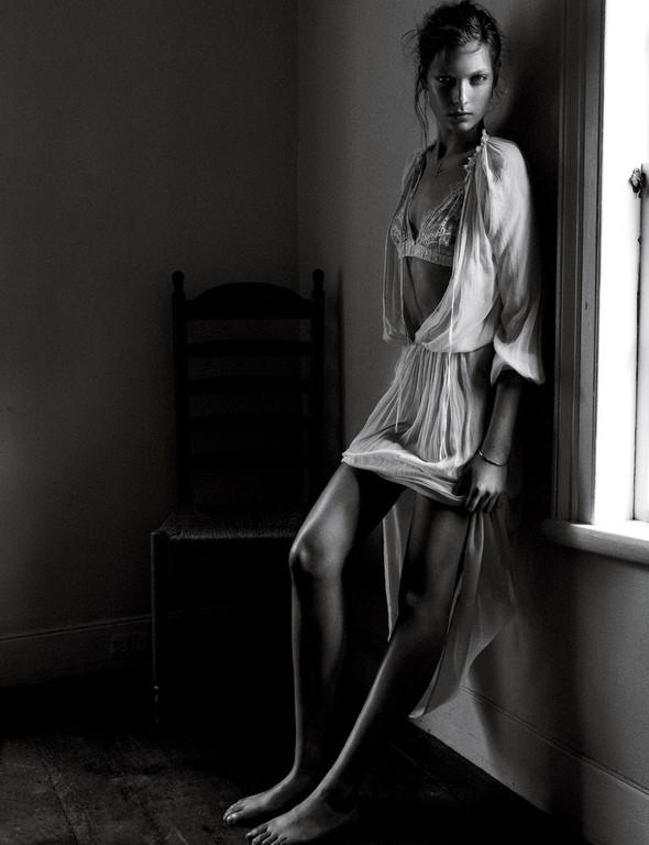Съёмки: Interview, Harper's Bazaar, V и другие. Изображение № 15.