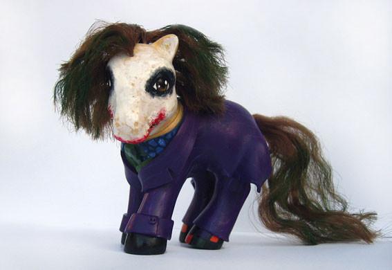 MyLittle Pony играют вкино. Изображение № 15.