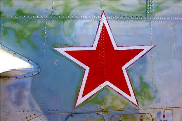Сто рублей охраннику кладбища советской авиации. Изображение № 5.