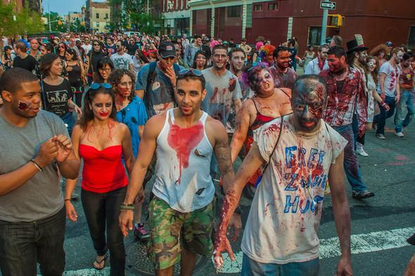Зомби парад в Нью Йорке. NYC Zombie Crawl.. Изображение № 23.
