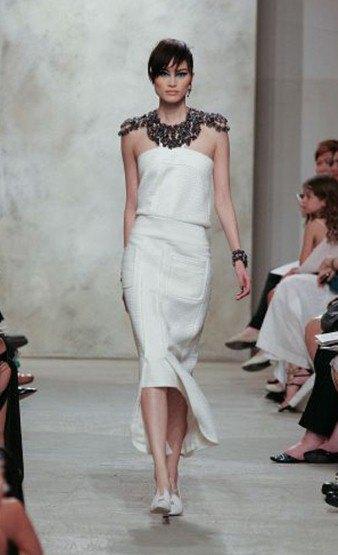 Chanel показали круизную коллекцию в Сингапуре. Изображение № 7.
