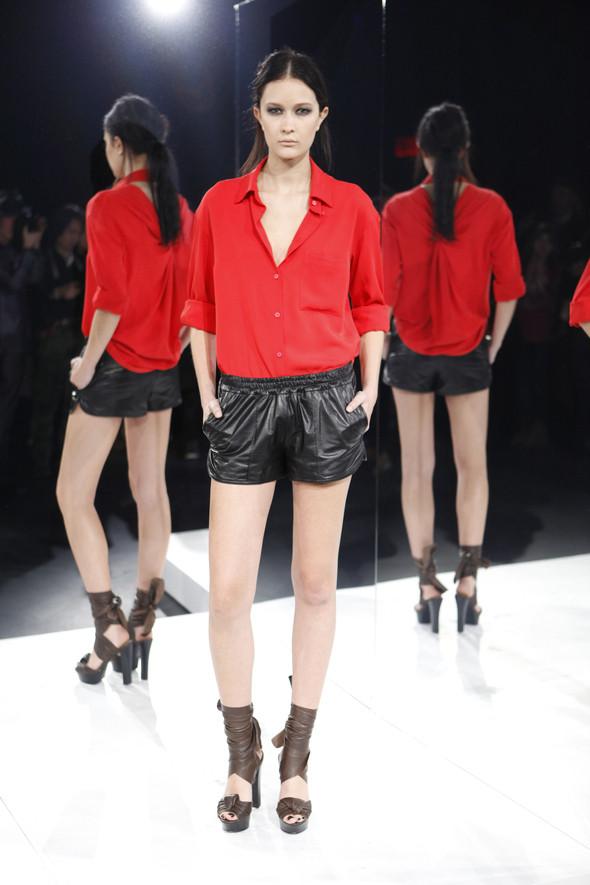 Изображение 5. Кира Пластинина показала новую коллекцию на неделе моды в Нью-Йорке.. Изображение № 5.