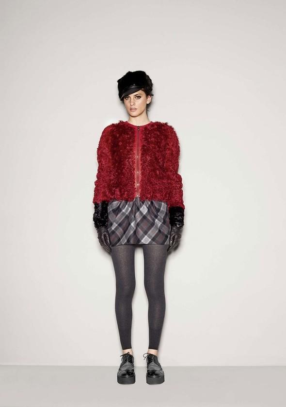 Лукбук: Dolce & Gabbana FW 2011 Women's. Изображение № 12.