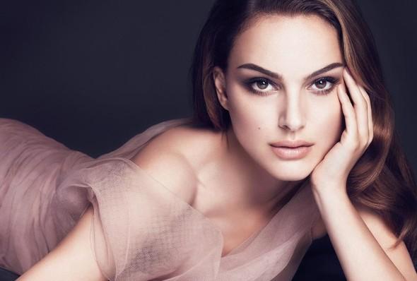 Бьюти-кампании: Dior, Versace и другие. Изображение № 2.