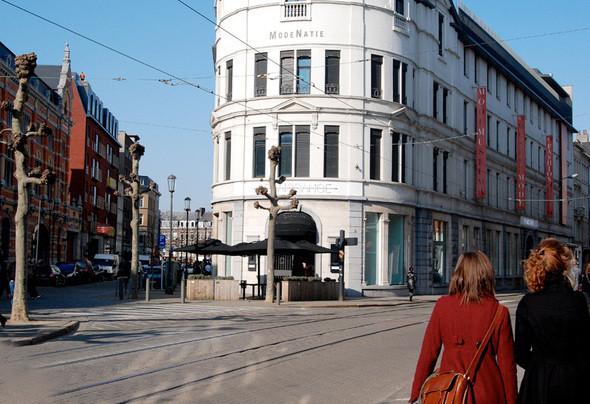 Fashion Museum Province of Antwerp – MoMu. Изображение № 15.