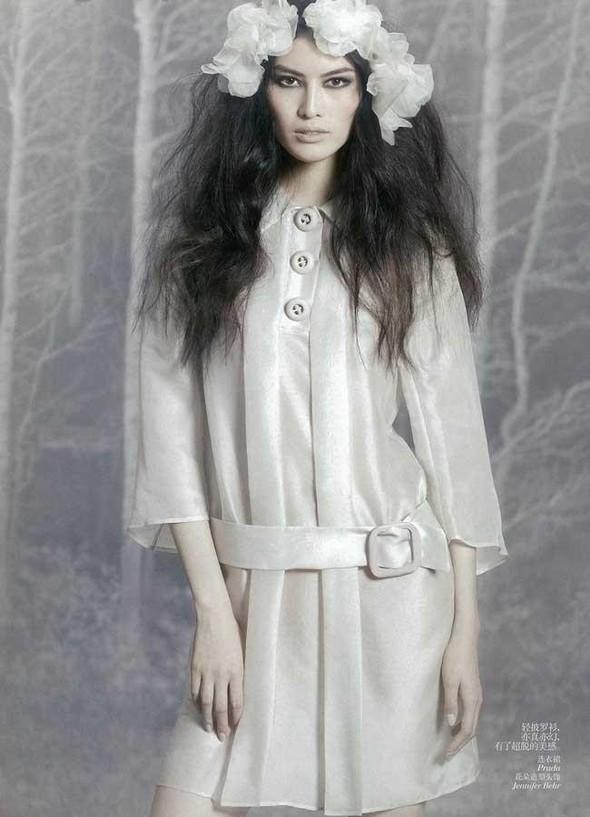 Съёмка: Суй Хэ для китайского Vogue. Изображение № 2.