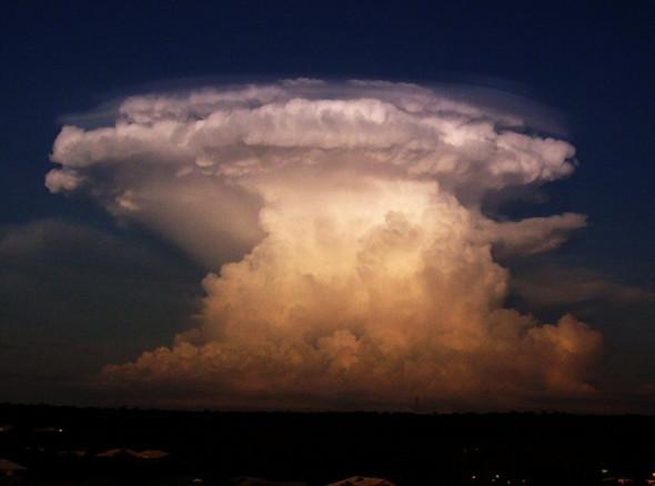 Переменная облачность. Изображение № 43.