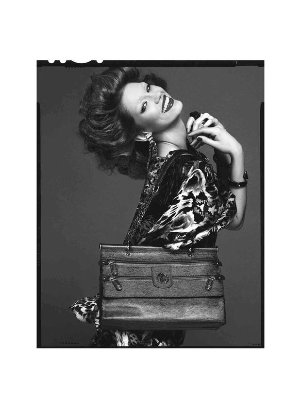 Вышли новые лукбуки Joie, Roberto Cavalli, Juicy Couture и других марок. Изображение № 203.