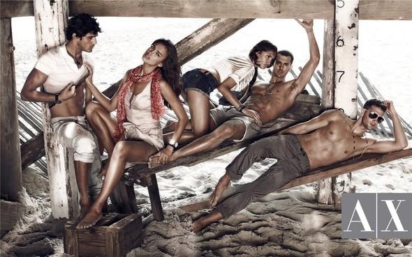 Рекламная кампания Armani Exchange весна-лето 2010. Изображение № 4.