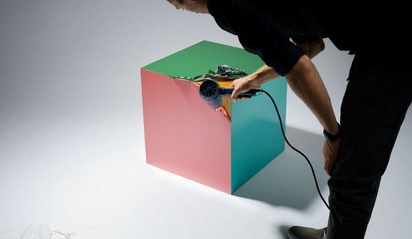 Если взять деревянный куб, пвх и фен, получится обложка для диска. Изображение № 4.