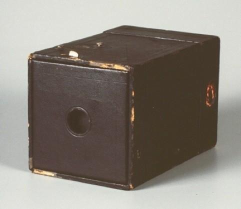 Фотокамера «Box Brownie» 1900 г.. Изображение № 7.