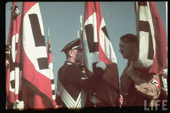 100 цветных фотографий третьего рейха. Изображение №71.