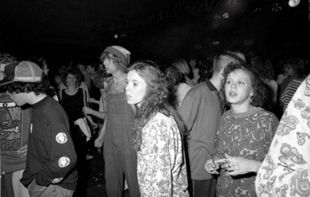 Клубная мания: 10 фотоальбомов о безумной ночной жизни . Изображение №41.