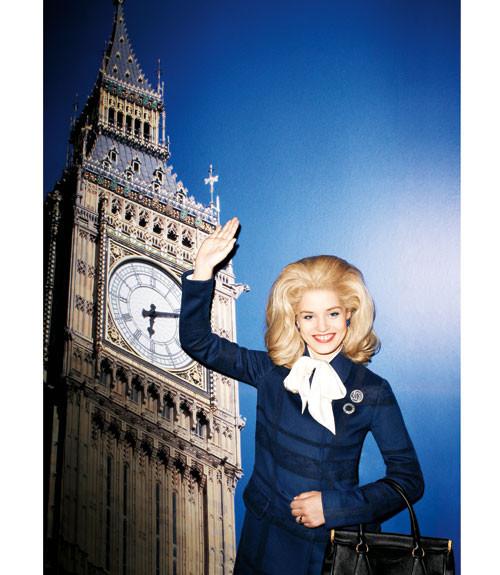 Терри Ричардсон снял Джорджию Мэй Джаггер в образе Маргарет Тэтчер. Изображение № 1.