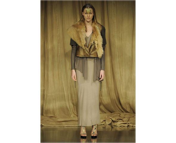 Новые коллекции: Acne, Dior, Moschino, Viktor & Rolf. Изображение № 58.