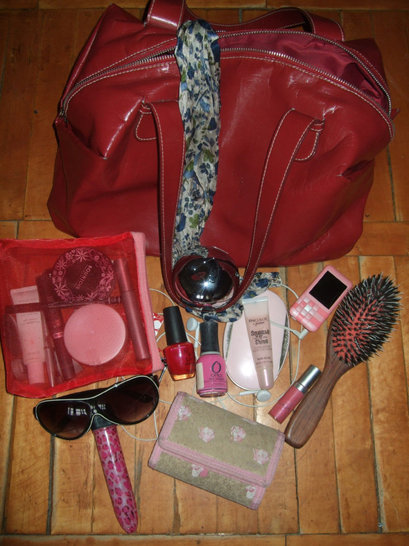Look at Me: What's in your bag? Часть 2. Изображение № 16.