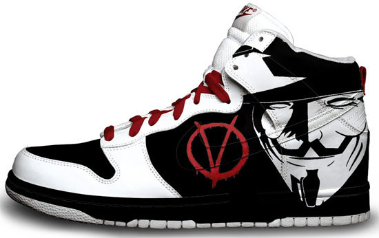 Метаморфозы белых кроссовок Nike. Изображение № 25.