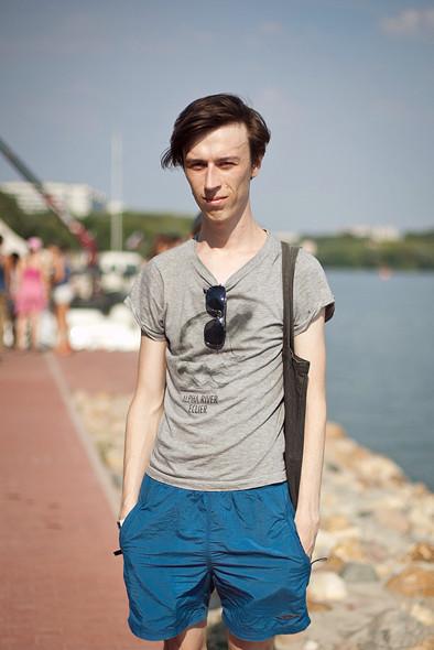 Изображение 9. Люди в футболках музыкальных групп на Пикнике «Афиши».. Изображение № 8.