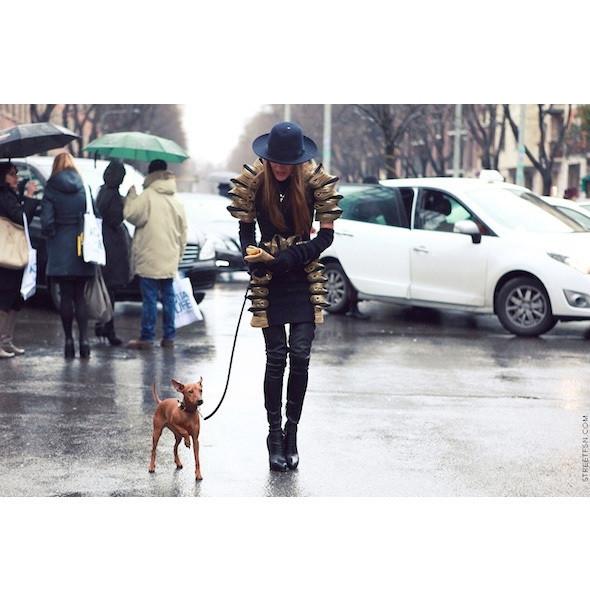 Изображение 2. На полях: 10 тенденций уличного стиля с прошедших недель моды.. Изображение № 2.