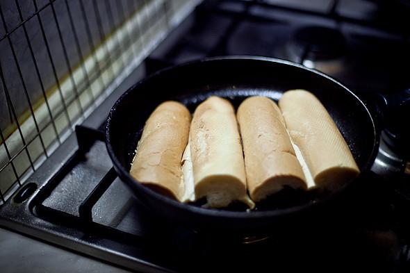 Быстро и вкусно: Сандвичи, хот-дог и три брускетты. Изображение № 12.