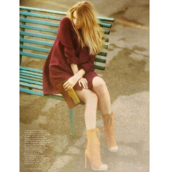 5 новых съемок: Purple Fashion, Vogue и W. Изображение № 33.