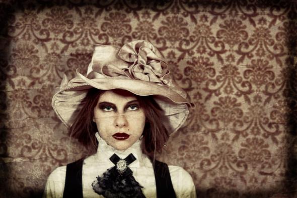 Ipek Yaylacioglu – сумасшедшая шляпница. Изображение № 9.