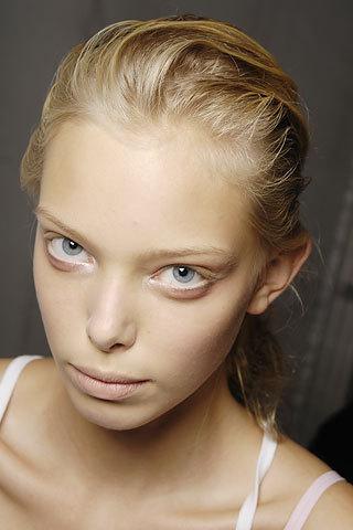 Tanya Dziahileva чистое сияние красоты. Изображение № 1.