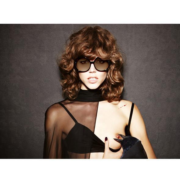 Рекламные кампании: Burberry, Louis Vuitton, Tom Ford. Изображение № 9.