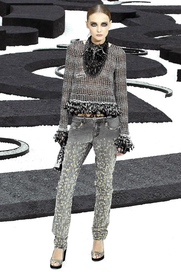 Карл Лагерфельд показал одну из самых красивых коллекций, когда-либо созданных для Chanel. Изображение № 24.