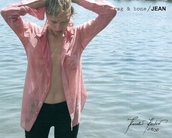 Кампания: Хелена Кристенсен сняла Каролину Куркову для Rag & Bone. Изображение № 29.