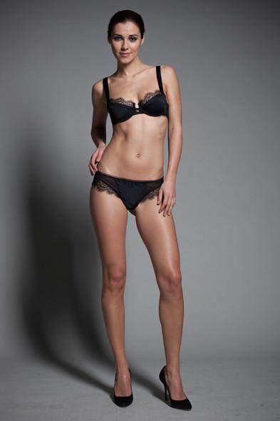 Новости ЦУМа: Коллекция нижнего белья Джулии Рестуан-Ройтфельд для Kiki de Montparnasse. Изображение № 1.